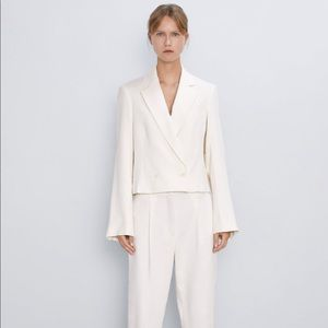 Zara cropped ecru blazer buttoned small off white